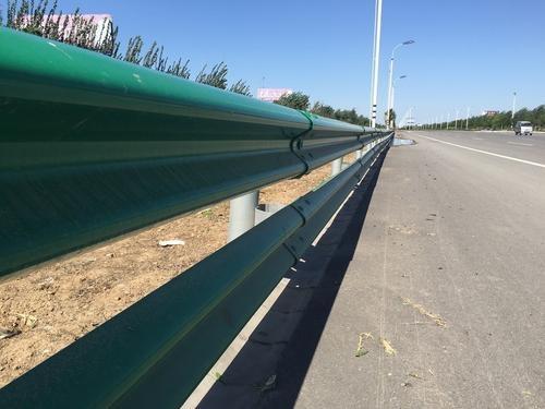 如何檢測高速護欄板的損壞程度?