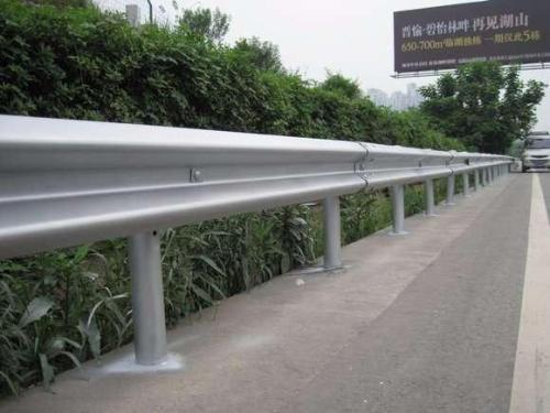 如何處理波形護欄板的過渡段?