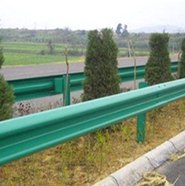 白銀公路護欄板