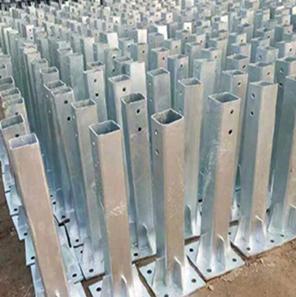 白銀鍍鋅方形立柱