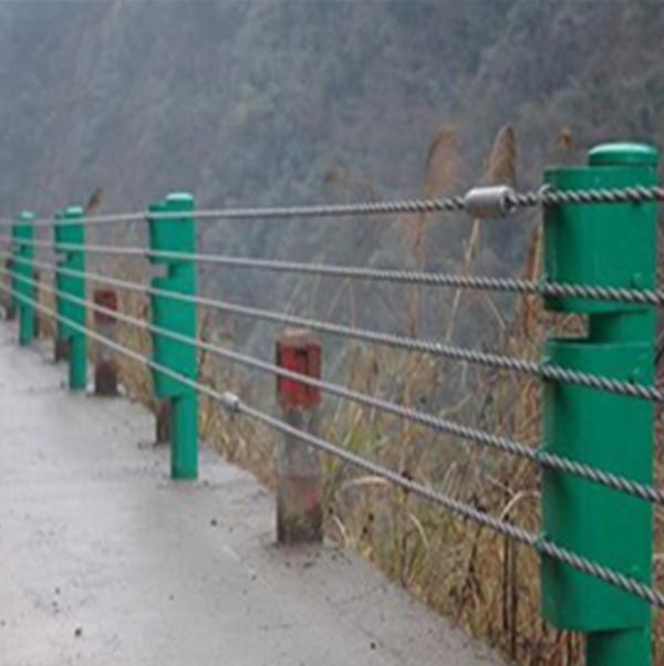 新疆鋼索護欄
