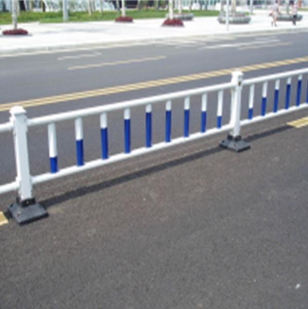 白銀高速公路護欄